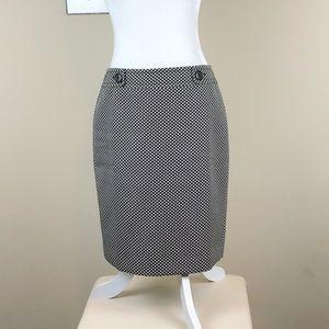ANN TAYLOR | Black + White Patterned Pencil Skirt